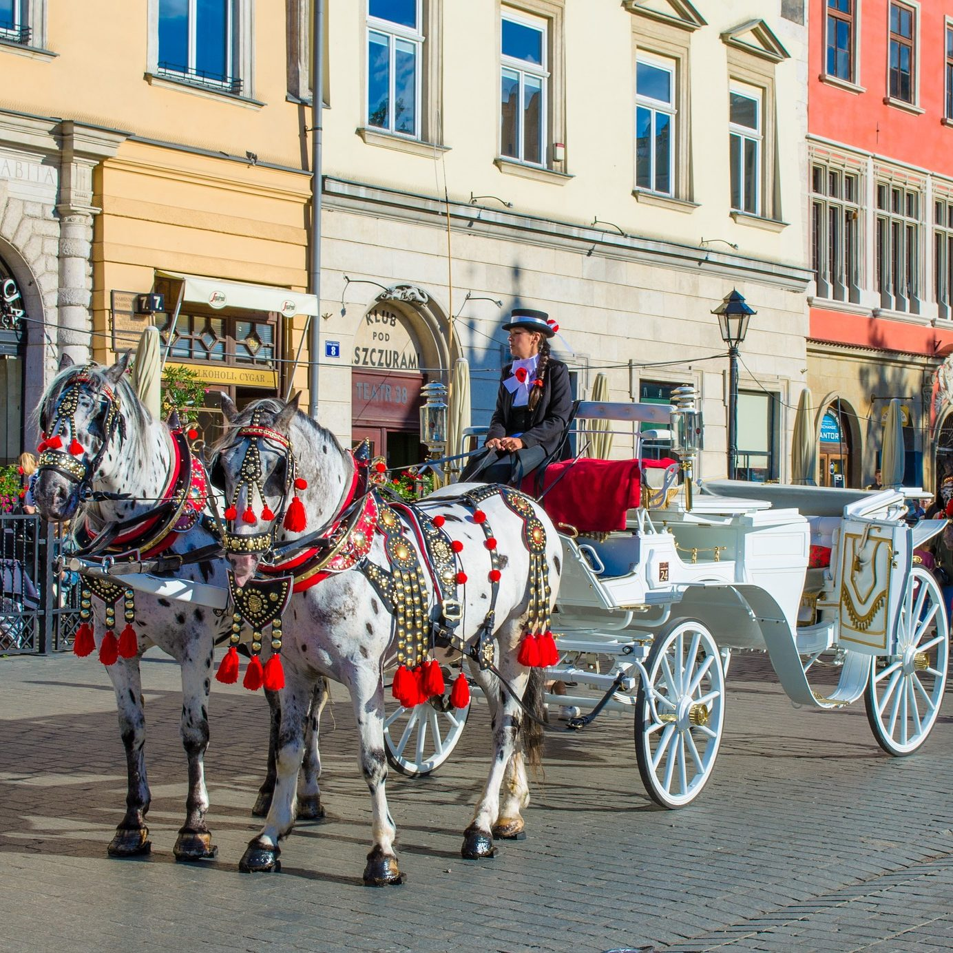 TOUR TO THE 3 MOST BEAUTIFUL OLD TOWNS obrazek